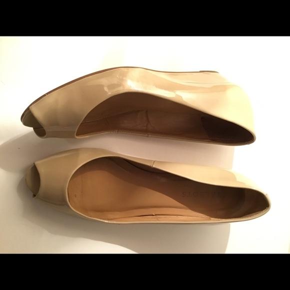 Talbots Shoes - Classic Beige Peep Toe Pump